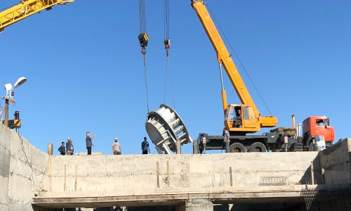 DIVE-Turbine_Darkhan_Installation_02_LR-1.500x300-crop.JPG